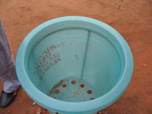 Corbeille à déchets en plastique recyclé.