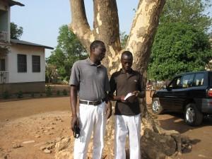 Mathias reçoit son microcrédit